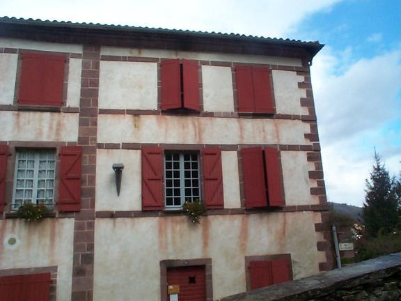 Pamplona to St Jean Pied De Port Hostel