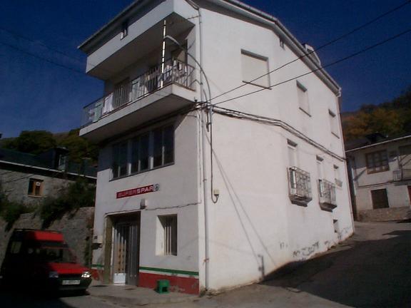 Villafranca Del Bierzo to Ruitelán Store